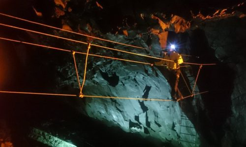Climb the mine photo